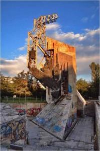 паметник пред НДК, не съвременно изкуство